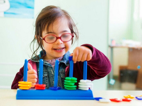 Down syndrome picturesOne of the therapeutic approach used in patients with Down syndrome.photo